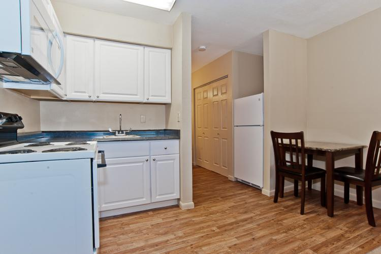 Acacia - Studio Kitchen