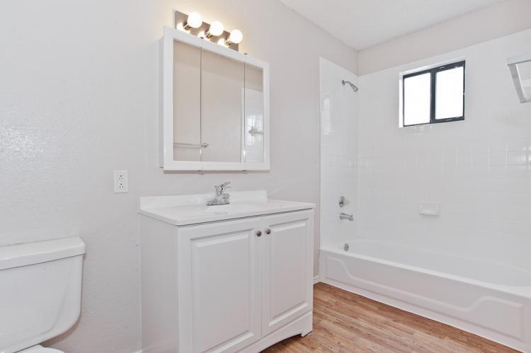 Oakwood Condos - Bathroom